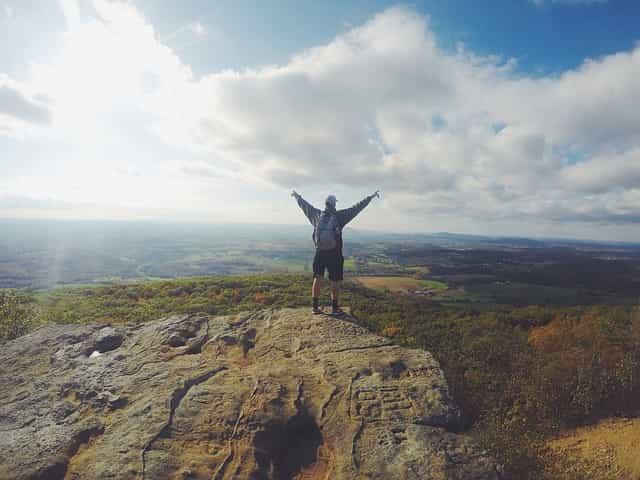 wandern berg kletterberg zu fuß landschaft rucksacktouristen bergsteiger wanderung natur person im freien berggipfel leistung freiheit felsigen motivation mann freiheit motivation motivation motivation motivation motivation